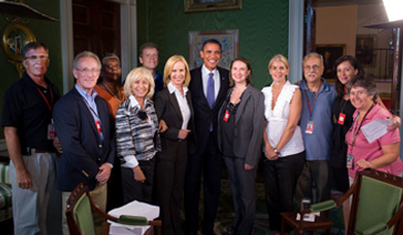 Consumer Watchdog-Money Saving Expert-Elisabeth Leamy-And her crew pose with President Obama after interview