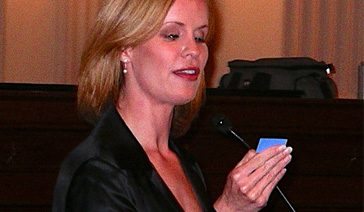 Keynoter-Elisabeth Leamy-Serves as Emcee for a Washington D.C. Literacy event