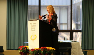 Keynoter-Elisabeth Leamy-Delivers informative speech before a breakout session